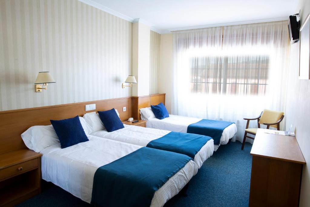 Habitacion triple con 3 camas
